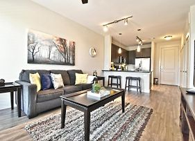 Ga Living Suites At Victory Park Dallas Offers Long Term Stay photos Exterior
