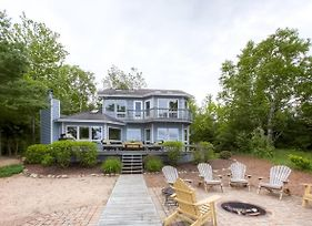 Lavish Charlevoix Home With Fire Pit On Lake Michigan photos Exterior
