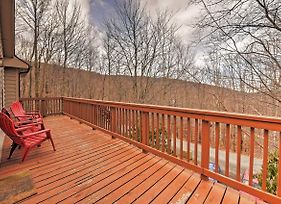 Wonderful Beech Mountain House With Forest Views! photos Exterior
