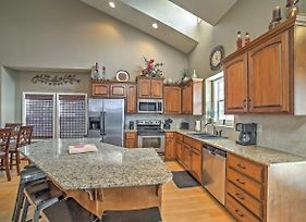 'Woodland Haven' Branson Area House With Rec Room! photos Exterior