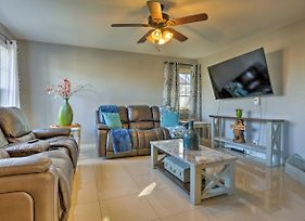 Remodeled Home 14 Mins From Downtown San Antonio! photos Exterior