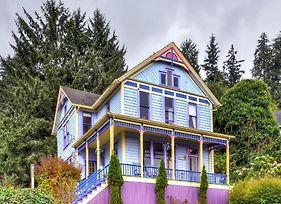 'Astoria Painted Lady' Historic Apt With River View! photos Exterior