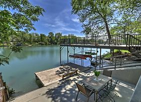 Waterfront 'Guadalupe River Lodge' Seguin Home photos Exterior