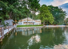 Lux Waterfront Home W/Dock&2 Kayaks On Lake Norman photos Exterior