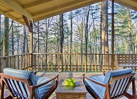 Charming Hendersonville Cottage With Porches And Views! photos Exterior