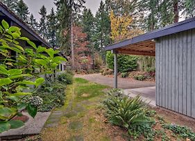 Updated 1970S Island Bungalow, 8 Miles To Seattle! photos Exterior