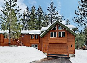 New Listing! Custom Alpine Home W/ Private Hot Tub Home photos Exterior