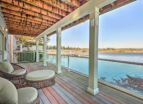 Luxury Home With Rec Room And Deck, On Tulalip Bay photos Exterior