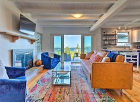 Superbly Designed Waterfront Portsmouth Home! photos Exterior