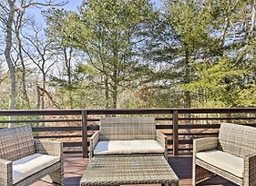 Cape Cod Apartment With Deck - 2 Miles To The Beach! photos Exterior