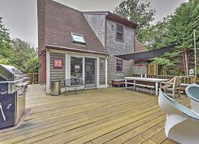 Private Dennis Home With Large Deck - 5 Min To Beach! photos Exterior