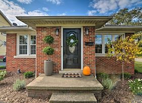 Cozy Modern Home 2 Miles From Downtown Erie! photos Exterior