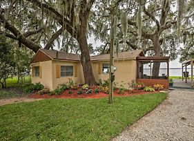 Chic Riverfront Retreat, 0.5Mi To Boat Launch photos Exterior