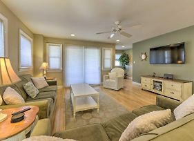Wildwood Townhome With Patio - 1 Block From The Beach photos Exterior