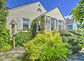 Cottage In Heart Of Newport - 2 Miles To Beach! photos Exterior