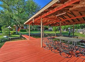 Spacious Lake Granbury Home With Patio And Boat Dock! photos Exterior