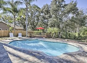 Pet-Friendly Home W/ Fire Pit - 10 Mins To Gulf! photos Exterior