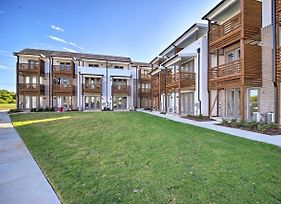 Modern Pet-Friendly Chattanooga Area Townhome photos Exterior
