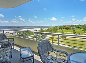 Beachside Biloxi Club Condo, Balcony W/Ocean View! photos Exterior