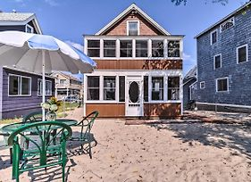 Beachfront Cottage With Porch On Long Island Sound photos Exterior