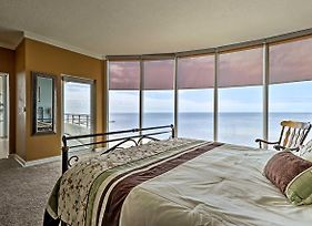 Beachfront Biloxi Condo W/ Balcony & Gulf Views! photos Exterior