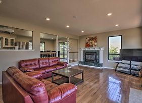 Large Family Home On 3 Acres, Walk To Folsom Lake! photos Exterior
