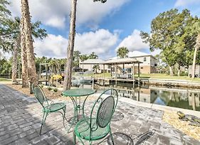 Spacious And Hip Crystal River Home With Dock And Kayaks! photos Exterior