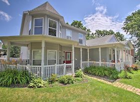 Hip Home W/ Patio In Central Historic St. Charles! photos Exterior