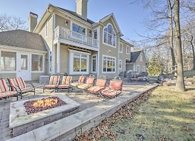 Golf & Lake Retreat W/ Fire Pit & Pool Table! photos Exterior