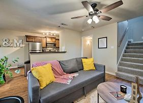 Event-Friendly Texas A&M Townhome Near Campus photos Exterior
