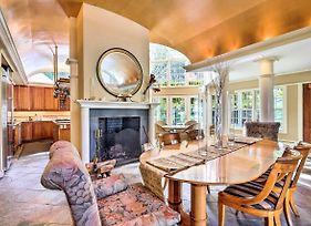 Lovely Brookfield Home W/Private Deck & Views photos Exterior