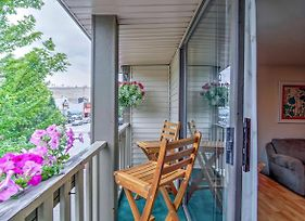 Lovely Apartment W/Balcony In Downtown Grand Haven photos Exterior