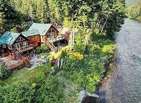Mcw River Front Retreat - Cabin Venue For Rent In Index photos Exterior
