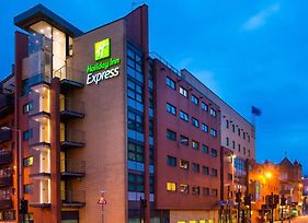 Holiday Inn Express Glasgow City Riverside photos Exterior