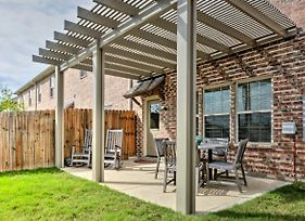 College Station Townhouse W/Patio & Pool Access photos Exterior
