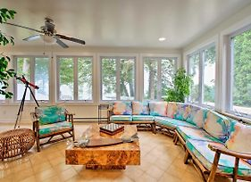 Renovated Home With Lake Michigan View, Private Beach photos Exterior