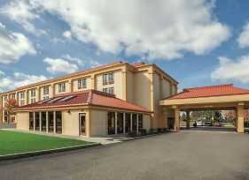 Baymont By Wyndham Canton/Hall Of Fame photos Exterior