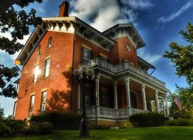 Victorian Mansion photos Exterior