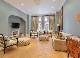 Gorgeous 3 Bed 3.5 Bath Period Apt In Chelsea photos Exterior