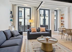 Modern Chic Two Bedroom Apartment In Paris photos Exterior