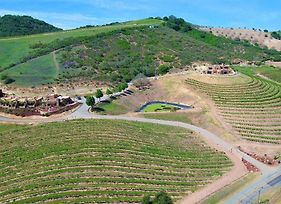 Manucci Winery Wild Coyote House Of Zin photos Exterior