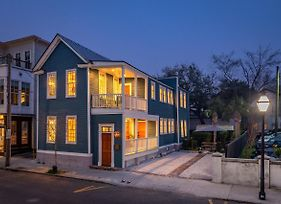 Must See! - Modern Conveniences + Historic Charm photos Exterior