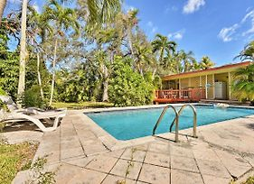 Quaint House In The Heart Of Miami Springs With Pool! photos Exterior