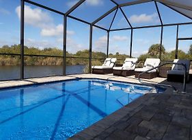Stunning Brand New 3 Bed Home, Fabulous Pool Overlooking River, photos Exterior