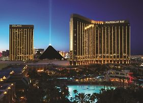 Mandalay Bay Resort And Casino By Suiteness photos Exterior