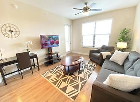 Modern 3 Bedroom Apt Home In Tampa Westshore - Sleeps 7 photos Exterior