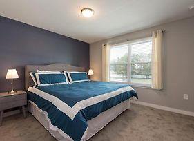 Modern Bargains - Le Reve - Beautiful Contemporary 4 Beds 3.5 Baths Townhome - 6 Miles To Disney photos Exterior