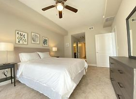 Stylish Apt In Westshore Tpa, Modern Comforts & Convenience! photos Exterior