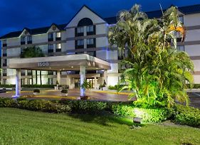 Holiday Inn Express Fort Lauderdale North - Executive Airport photos Exterior