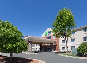 Holiday Inn Express Hotel & Suites Mebane photos Exterior